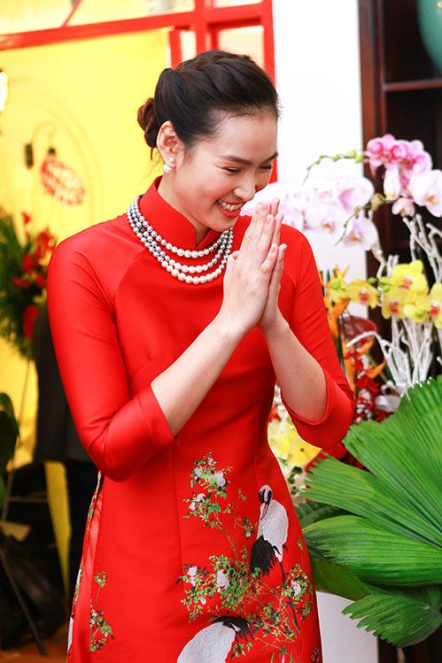 """vuong thu phuong khoe me tre dep trong lan """"tai xuat"""" - 3"""