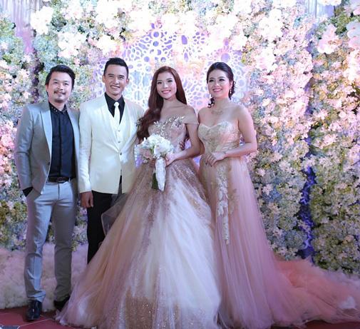 Mặc nổi bật hơn cả cô dâu, nhiều sao Việt bị chỉ trích vì chơi trội khi đi đám cưới - 1