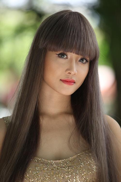 """Siêu mẫu Châu Á Trương Mỹ Nhân khoe thân hình bốc lửa khi vào vai thiếu nữ """"sống ảo"""" - 17"""