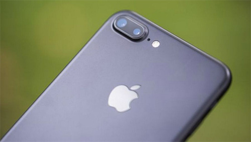 """iphone 8 se su dung cong nghe """"chup anh 3d"""" - 1"""