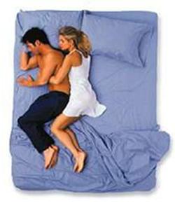 Không ai có thể giả tạo khi ngủ nên đây là tư thế của cặp vợ chồng hạnh phúc thực sự-3
