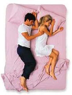 Không ai có thể giả tạo khi ngủ nên đây là tư thế của cặp vợ chồng hạnh phúc thực sự-4
