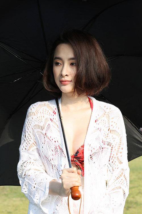 angela phuong trinh khoe dang voi bikini o dao tuan chau - 6