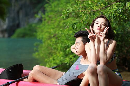 angela phuong trinh khoe dang voi bikini o dao tuan chau - 2