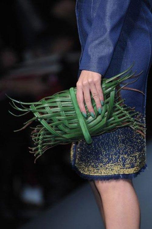 Chiếc túi lấy cảm hứng gói xôi lá chuối Việt Nam gây chấn động làng mốt - 5