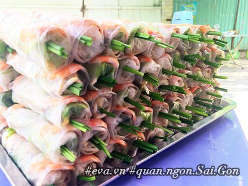 """di an hang banh khot via he co tom nhay """"khong lo"""" to nhat sai gon - 13"""