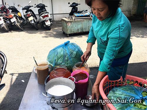 """di an hang banh khot via he co tom nhay """"khong lo"""" to nhat sai gon - 6"""