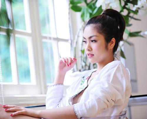 """Muôn vàn sự cố thời trang khiến sao Việt """"ngượng chín mặt"""" - 7"""