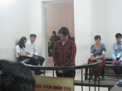 "nuoc mat luat su va ban an luong tam giay vo nguoi me bi xem la ""ho du"" - 1"