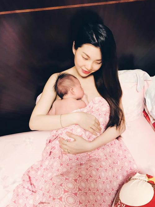 3 my nhan viet vua sinh con nam 2016: ke lung linh, nguoi xuong sac - 5