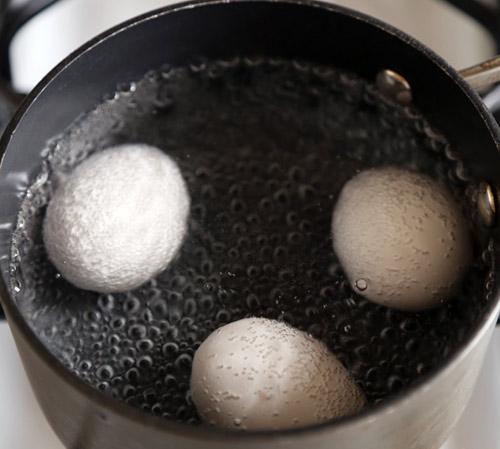 Chỉ với 2 quả trứng gà và làm theo cách này, hôi nách sẽ không hành bạn khổ sở nữa - 3