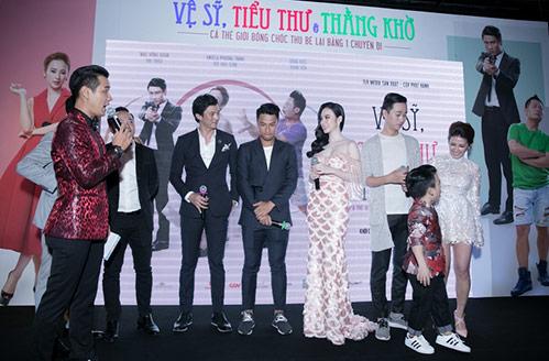 Hậu lộ ảnh hôn nhau, Mạc Hồng Quân tránh mặt tình cũ Emmy Nguyễn-6