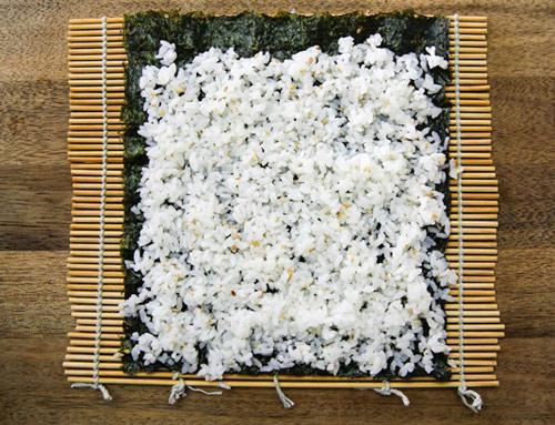 Làm sushi cuộn quả bơ tươi ngon, lạ miệng với vài bước đơn giản-2