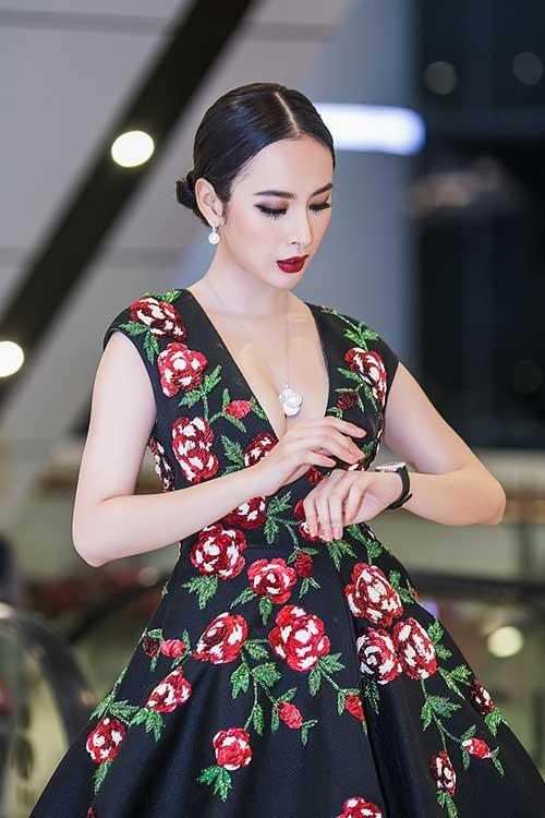 Angela Phương Trinh gây choáng khi đeo trang sức 2 tỷ đồng đi sự kiện ở Hà Nội-2