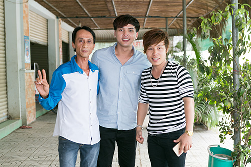 Hồ Quang Hiếu thích thú với chàng trai bán kẹo kéo có giọng hát giống mình-5