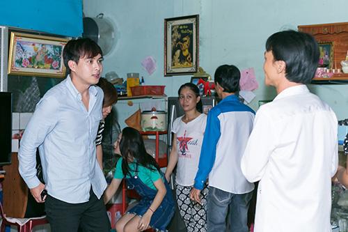 Hồ Quang Hiếu thích thú với chàng trai bán kẹo kéo có giọng hát giống mình-2