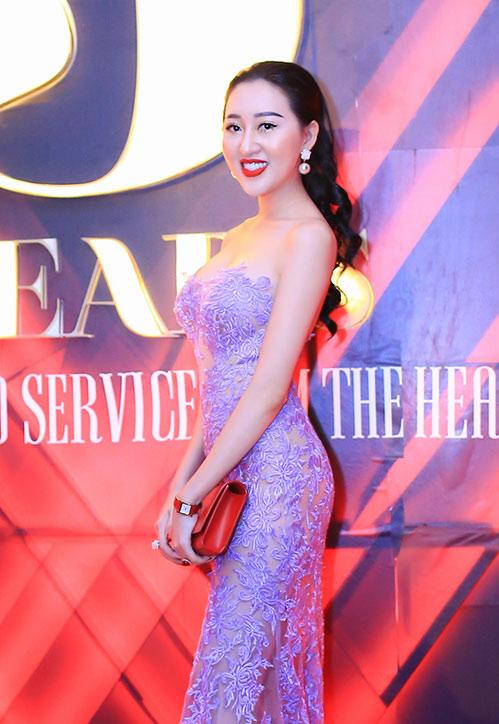 Huỳnh Thúy Anh đẹp lộng lẫy, tái xuất showbiz sau 2 năm du học Mỹ-3
