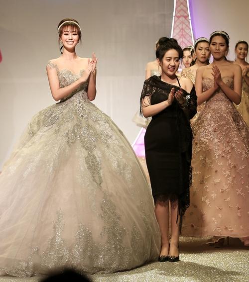 Khánh My lộng lẫy như công chúa, làm vedette trình diễn áo cưới - 4