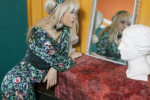 """Khó rời mắt khi """"bạn gái Sơn Tùng"""" sexy, nổi loạn trước thềm The Remix-5"""