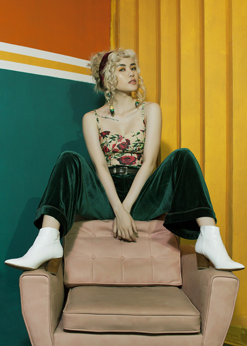 """Khó rời mắt khi """"bạn gái Sơn Tùng"""" sexy, nổi loạn trước thềm The Remix-13"""