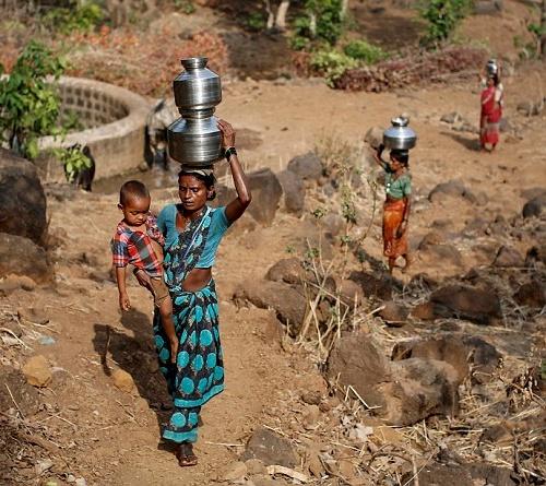 """Kỳ lạ: Ngôi làng mà đàn ông lấy nhiều vợ chỉ vì """"thiếu nước""""-5"""