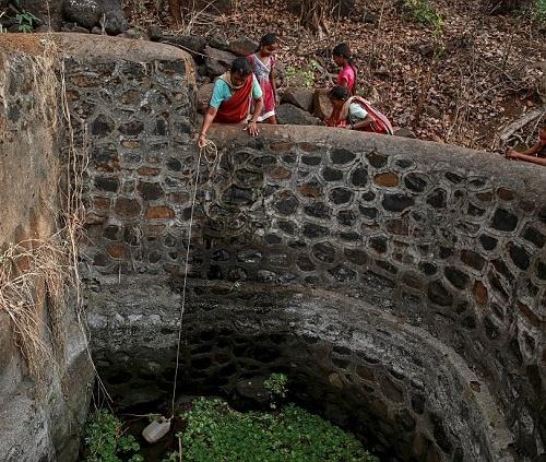 """Kỳ lạ: Ngôi làng mà đàn ông lấy nhiều vợ chỉ vì """"thiếu nước""""-7"""