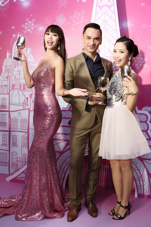 Sau kết hôn, siêu mẫu Hà Anh vẫn sexy không ngừng nghỉ-9