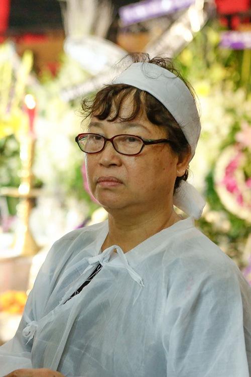 Chồng ra đi không kịp trăn trối, vợ NSƯT Quang Lý cố bình tĩnh trong đêm cuối tiễn đưa-1