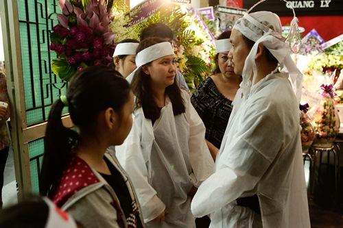 Chồng ra đi không kịp trăn trối, vợ NSƯT Quang Lý cố bình tĩnh trong đêm cuối tiễn đưa-13