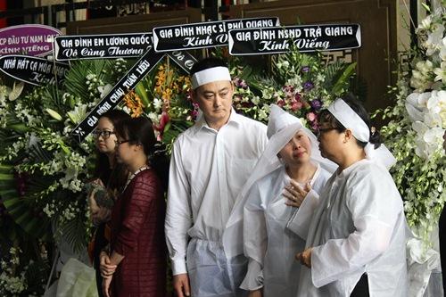 Chồng ra đi không kịp trăn trối, vợ NSƯT Quang Lý cố bình tĩnh trong đêm cuối tiễn đưa-4