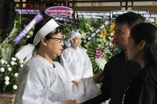 Chồng ra đi không kịp trăn trối, vợ NSƯT Quang Lý cố bình tĩnh trong đêm cuối tiễn đưa-6