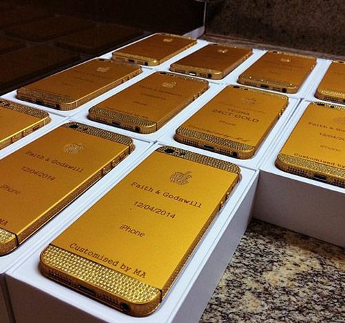 Đám cưới 'siêu khủng': Khách được tặng phong bì tiền, iphone dát vàng-6
