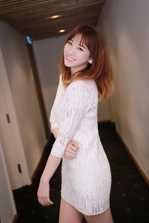 Trước ngày cưới Trấn Thành, Hari Won vẫn tất bật chạy show-3