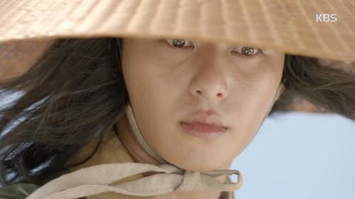 """hwarang tap 2: khan gia dau xot chia tay """"hoang tu chau a"""" lee kwang soo - 9"""