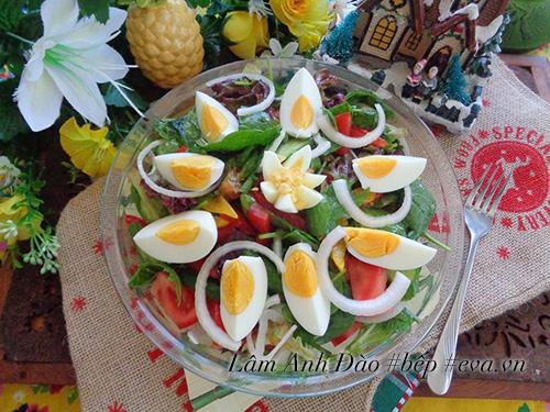 salad trung de an, giai ngan sau ngay le - 6