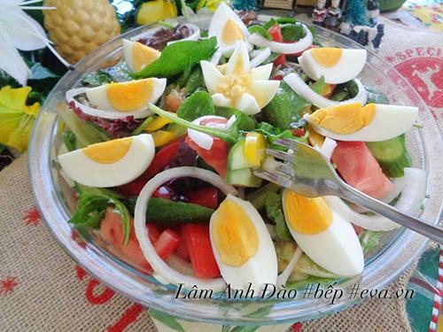 salad trung de an, giai ngan sau ngay le - 7