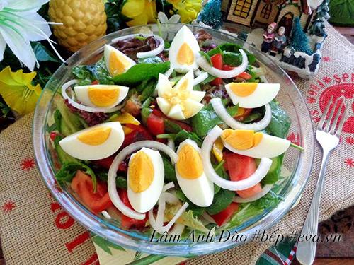 salad trung de an, giai ngan sau ngay le - 8