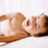 Sự phát triển của trẻ từ 3 đến 6 tháng tuổi