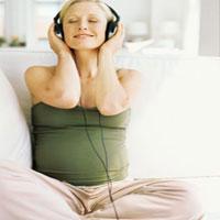 Cách cho thai nhi nghe nhạc khoa học nhất