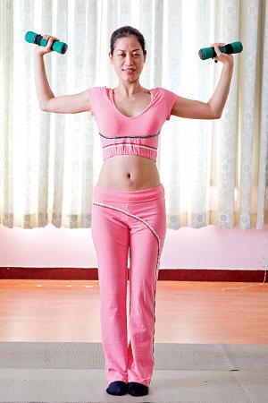 Bài tập nâng cơ ngực - 1