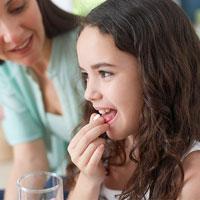 Trẻ uống kháng sinh kèm men tiêu hóa có nên?