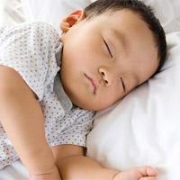 Tìm hiểu tư thế ngủ của bé yêu