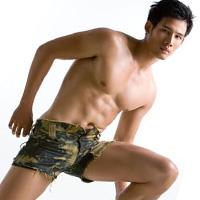 """""""Sexy men"""" Thanh Thức kể chuyện đóng phim Tết"""