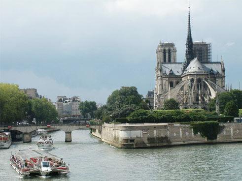 Sững sờ vì vẻ đẹp Nhà thờ đức bà Paris - 1