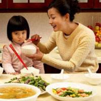 Làm thế nào để bé không lười ăn, tăng cân đều?
