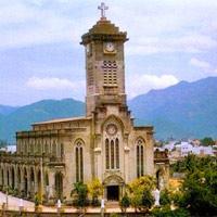 Ngoạn cảnh nhà thờ đá tại Nha Trang