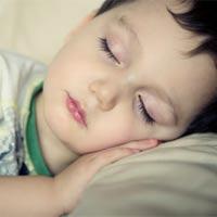 Trị tật nghiến răng ken két lúc ngủ của bé