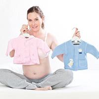 Bà bầu chuẩn bị chào đón em bé sắp ra đời