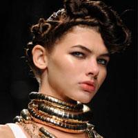 Video làm đẹp: Hướng dẫn Tết tóc trên đỉnh