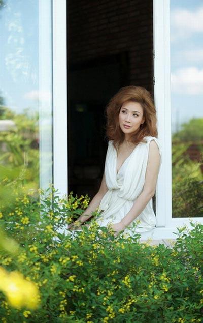 Hồ Quỳnh Hương - Nuối tiếc vì đã phẫu thuật thẩm mỹ - 1
